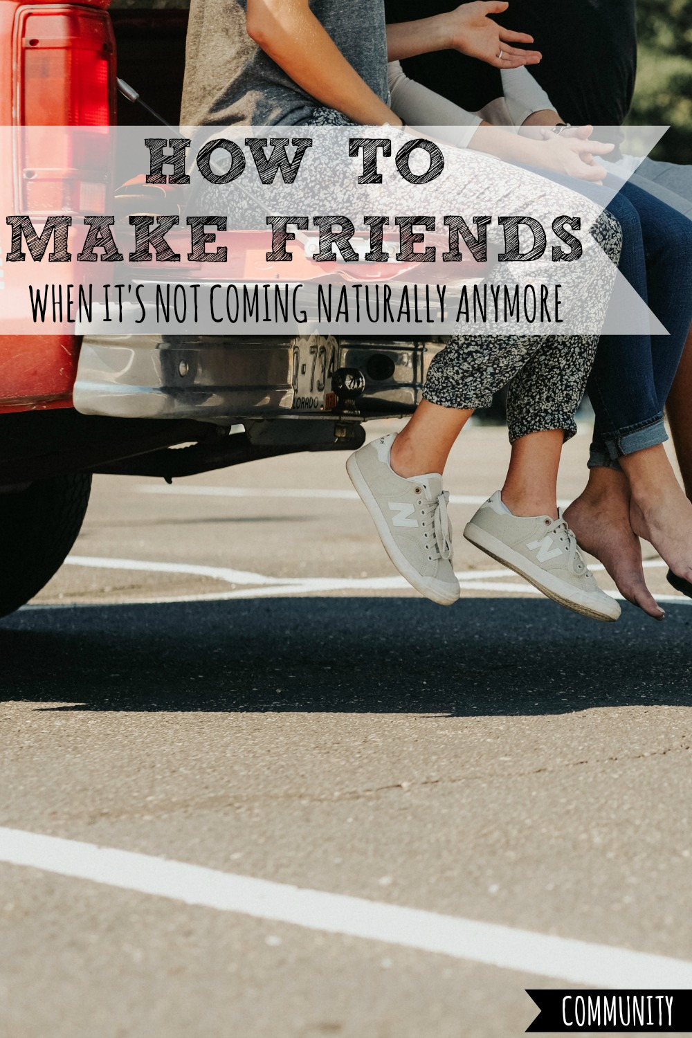 Ever struggle to make friends as an adult? I do! Here's your super practical guidebook to making new friends TODAY, even if it doesn't come naturally anymore! #make #making #new #friend #friends #friendship #friendships